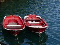 Bateaux en mer bleue Photographie stock libre de droits