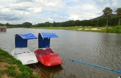 Bateaux en rivière Photographie stock libre de droits