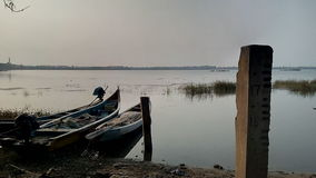 Bateaux en rivière Photo stock