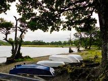 Bateaux entourant le lac Ullswater Photographie stock libre de droits