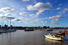 Bateaux et nuages Photo stock