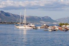 Bateaux et yachts. photos stock