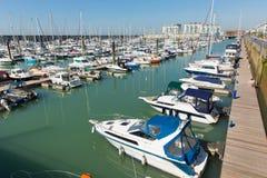 Bateaux et yachts de marina de Brighton England photo stock