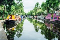 Bateaux-maison, peu de Venise - Londres photos libres de droits