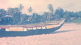 Bateaux nigériens traditionnels banque de vidéos