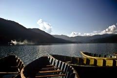 Bateaux, Népal Images stock