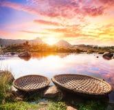 Bateaux près de rivière de Hampi Photos libres de droits