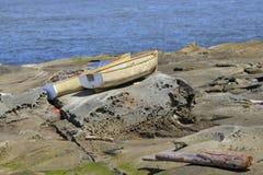 Bateaux sur des roches Photo stock