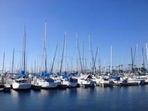 Bateaux sur la marina de Long Beach Images libres de droits