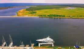 Bateaux sur la marina près de Danzig Gorki Zachodnie photographie stock libre de droits