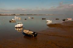 Bateaux sur la plage dans le watt Photo libre de droits