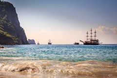 Bateaux sur la plage de Cléopâtre Photographie stock