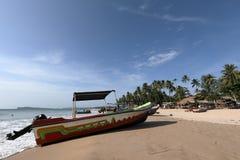 Bateaux sur la plage de Trincomalee dans Sri Lanka, Photographie stock libre de droits