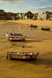 Bateaux sur la plage les Cornouailles de St Ives Images libres de droits