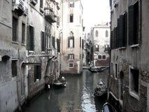 Bateaux sur le canal de Venise Image libre de droits