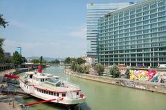 Bateaux sur le Danube - Wien photographie stock libre de droits