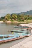 Bateaux sur le fleuve de Mekong Photos stock