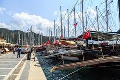 Bateaux sur le littoral Photos stock
