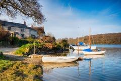 Bateaux sur le rivage à St Clement Image libre de droits