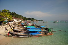 Bateaux thaïlandais de longtail photos libres de droits