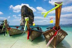 Bateaux thaïlandais traditionnels de longue queue Image libre de droits
