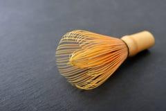 Batedor de ovos de bambu do matcha Foto de Stock Royalty Free