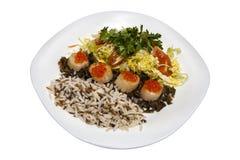 Batedores com os vegetais e arroz vermelhos do caviar Imagem de Stock