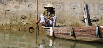 Batelier vietnamien photo stock
