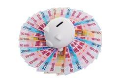 Batería guarra en el círculo de billetes de banco euro Imágenes de archivo libres de regalías