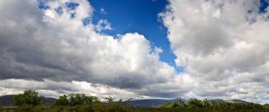 Baterías de nube Fotos de archivo libres de regalías