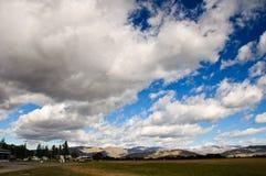 Baterías de nube Imagenes de archivo
