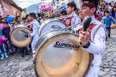 Baterías del Día de la Independencia, Antigua, Guatemala Imagenes de archivo