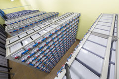 Baterías en sistema eléctrico de reserva industrial. fotos de archivo