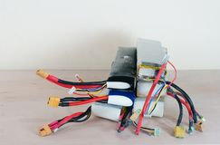Baterías hinchadas dañadas y inseguras del polímero de litio Fotos de archivo