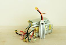 Baterías hinchadas dañadas y inseguras del polímero de litio Foto de archivo