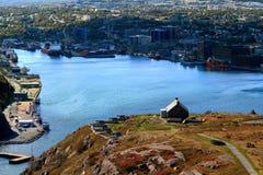 Bateria da artilharia da rainha na Terra Nova de St John do monte do sinal imagens de stock royalty free