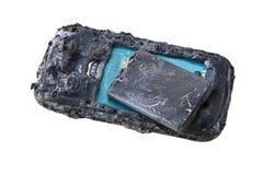 A bateria do telefone celular explode e as queimaduras devido ao perigo do superaquecimento de usar o telefone esperto imagem de stock royalty free
