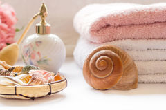 Bath arrangement with towels and seashells Stock Photography