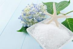 Bath de sel de mer frottent Photographie stock