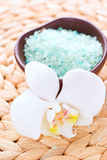 Bath salt and flowers of orchids Stock Photography