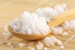 Bath salt in spoon Royalty Free Stock Photography