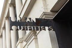Bath, Somerset, R-U, le 22 février 2019, signe de magasin pour Urban Outfitters images libres de droits