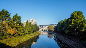 BATH, SOMERSET/UK - OCTOBER 02 : View of Pulteney Bridge and Wei. R in Bath Somerset on October 02, 2016 royalty free stock photos