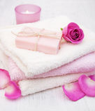 Bath towels and soap with pink roses Royalty Free Stock Images