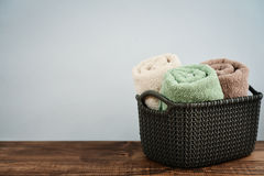 Bath towels in wicker basket Royalty Free Stock Photography