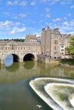 BATH, UK: The Pulteney Bridge on the river Avon Royalty Free Stock Image