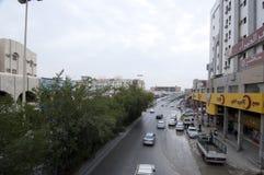 Batha Steet,汽车通行在老利雅得,沙特阿拉伯, 01 12 201 免版税库存图片