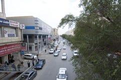 Batha Steet,汽车通行在老利雅得,沙特阿拉伯, 01 12 201 免版税库存照片