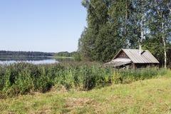 Bathhouse bij het meer royalty-vrije stock foto's