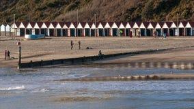 Bathhouse in Bournemouth, Engeland, het Verenigd Koninkrijk op een zonnige dag royalty-vrije stock afbeelding